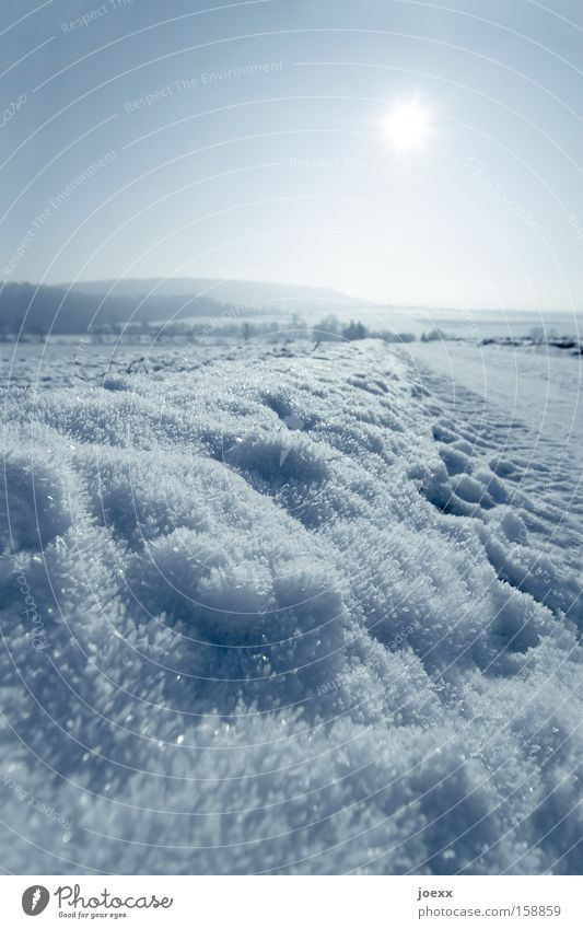 Sonne vs. Schnee Natur Himmel Sonne Winter kalt Schnee Berge u. Gebirge Wege & Pfade Landschaft Eis Vergänglichkeit frieren Kristallstrukturen Naturschutzgebiet Wintertag