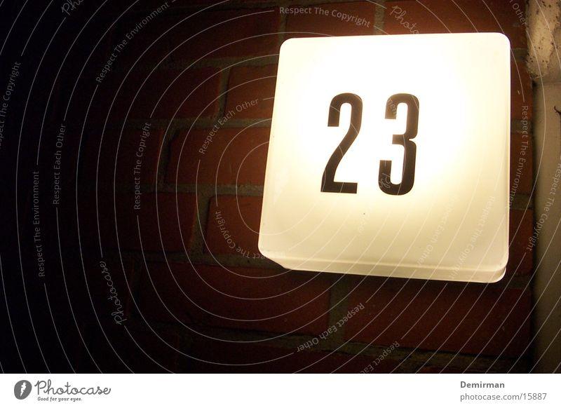 .::23::. Hacker Lampe Licht Eingang Fototechnik dreiundzwanzig Tür Eingangstür