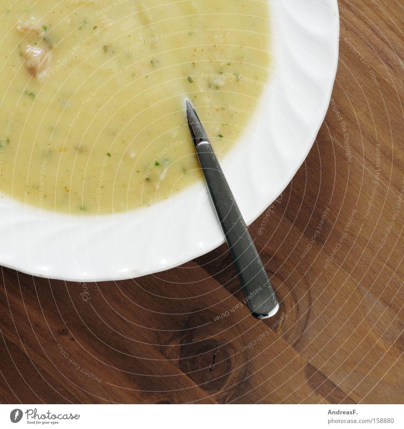 lecker Kartoffelsuppe Suppe Teller Suppenteller Löffel Ernährung Holz Tisch löffeln Appetit & Hunger Tellerrand Vegetarische Ernährung Gastronomie
