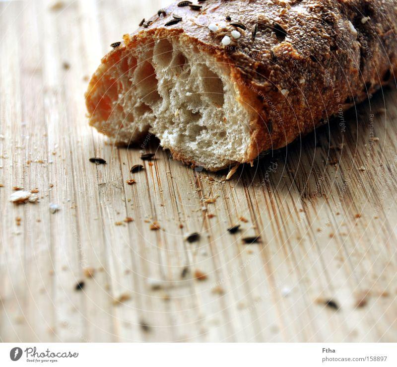 Schwäbsche Seele Ernährung Mahlzeit Frühstück Kräuter & Gewürze Brot Holzbrett Schneidebrett Backwaren Brötchen Kochsalz Baguette Salzstangen Kümmel Weißbrot