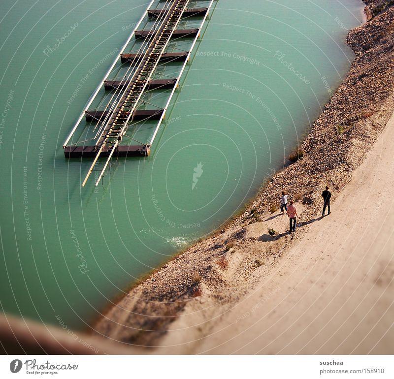 baggerseesandstrand See Baggersee Wasser Gewässer Teich grün Graben türkis Sand Strand Spaziergang oben klein Klettern Industrie Küste