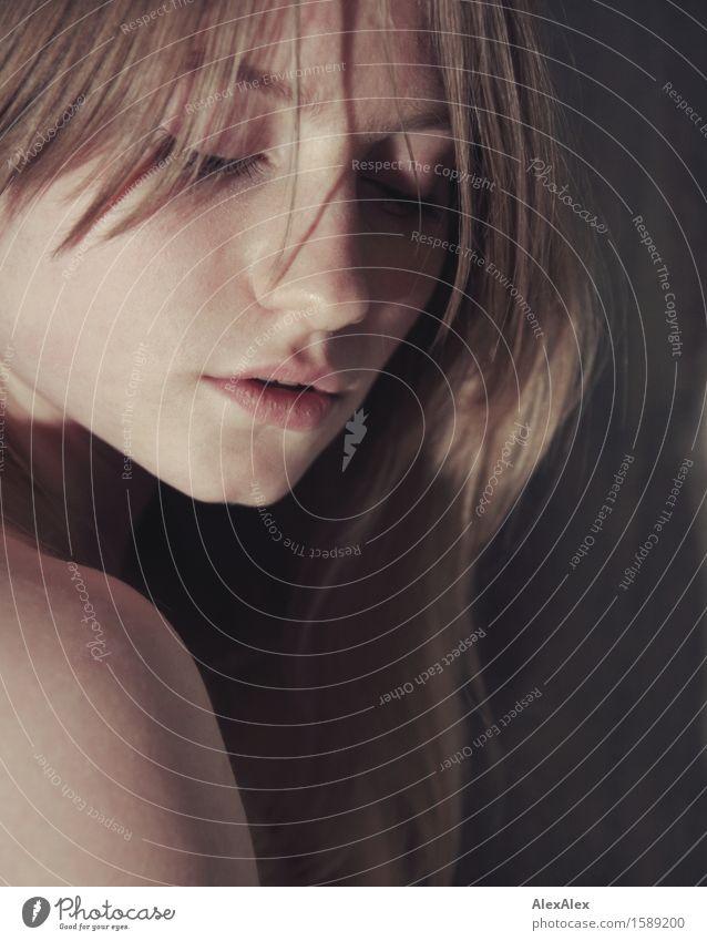 nah Jugendliche schön Junge Frau Erotik 18-30 Jahre Gesicht Erwachsene Leben Liebe Gefühle natürlich feminin Glück außergewöhnlich blond ästhetisch