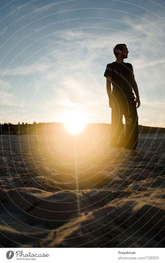 es war sommer Silhouette Sand Strand Sonne Gegenlicht Jugendliche Coolness Wärme Abend Sonnenuntergang Volleyball Himmel Mann Barfuß Spielen Küste Sommer