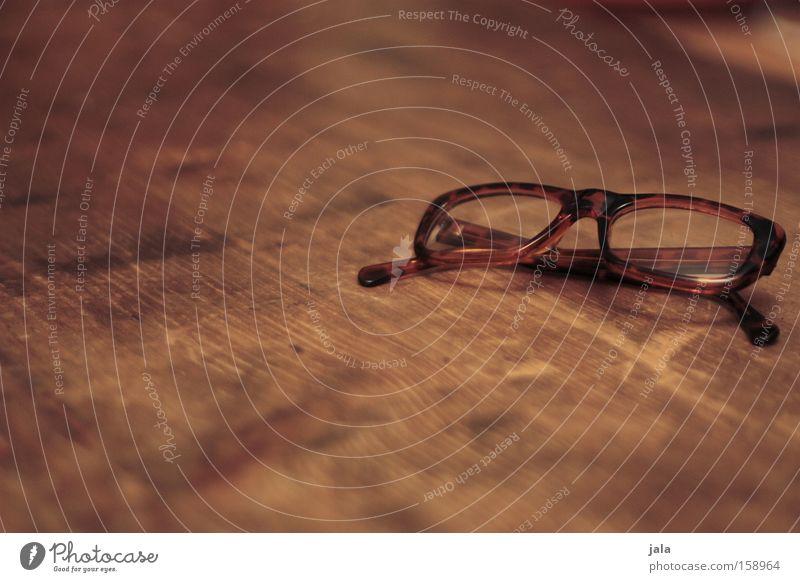 Sehhilfe Brille Linse Optik Glas Gestell Lesebrille Holz braun Sehschwäche Rahmen Sehvermögen