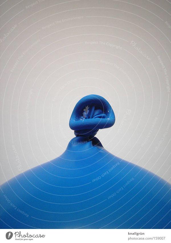 Noch ist die Luft nicht raus! blau Luftballon obskur Knoten aufgeblasen