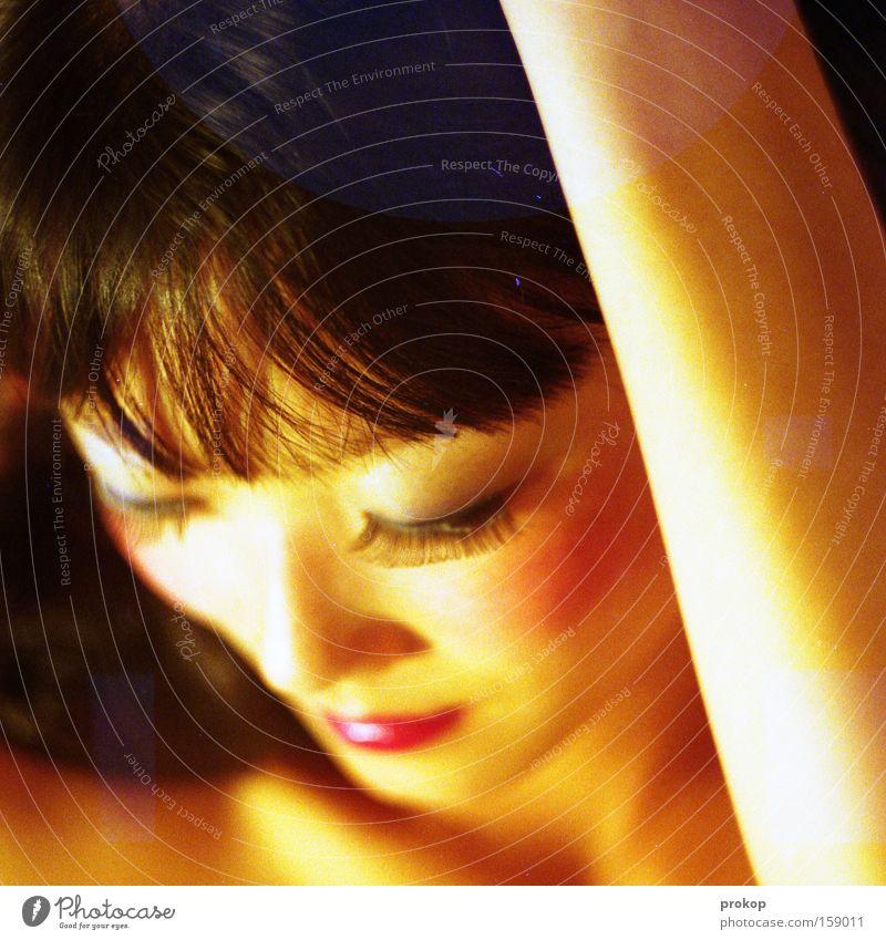 Trashpuppet Frau schön Freude Haare & Frisuren trashig Schminke Puppe Wimpern attraktiv Lippenstift gestellt künstlich Kosmetik Gesicht Koreaner