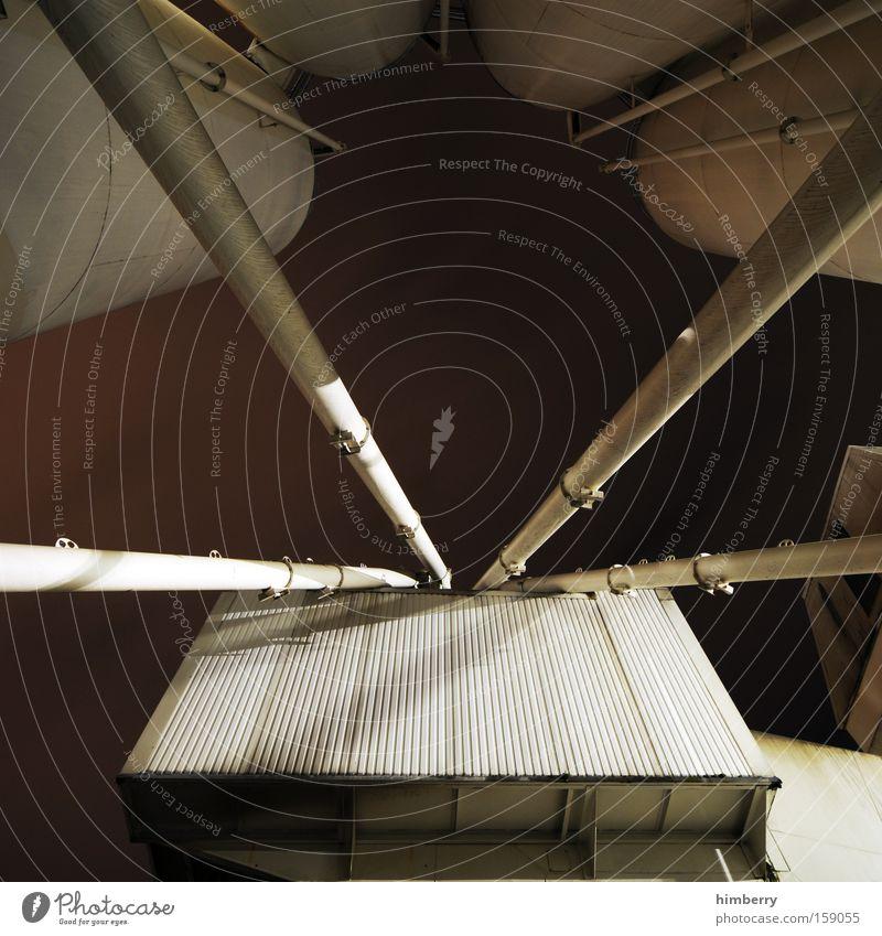 iss silo Industrie Industriefotografie Baustelle Handwerk Material Konstruktion Container Silo Stahlträger Industrielandschaft Industriegelände