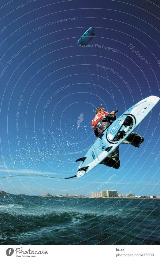 kite_ag_002 Meer Sommer Ferien & Urlaub & Reisen Sport springen Surfen Spanien Lenkdrachen Wassersport Kiting Extremsport