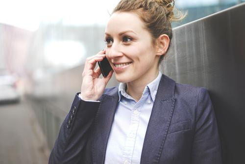 mobile Mensch Jugendliche Freude 18-30 Jahre Erwachsene sprechen feminin Business Erfolg Technik & Technologie Perspektive Telekommunikation Studium planen