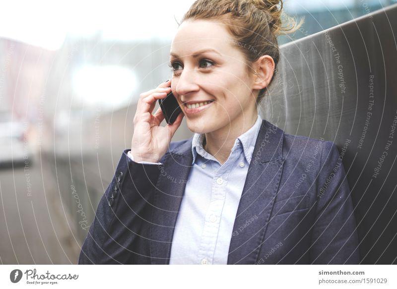 mobile Mensch Jugendliche Freude 18-30 Jahre Erwachsene sprechen feminin Business Erfolg Technik & Technologie Perspektive Telekommunikation Studium planen Pause Netzwerk