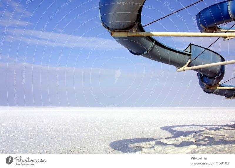 Eisrutsche I. Himmel Natur Ferien & Urlaub & Reisen blau weiß Landschaft Wolken Freude Winter Schnee Stil Spielen See hell ästhetisch Schönes Wetter