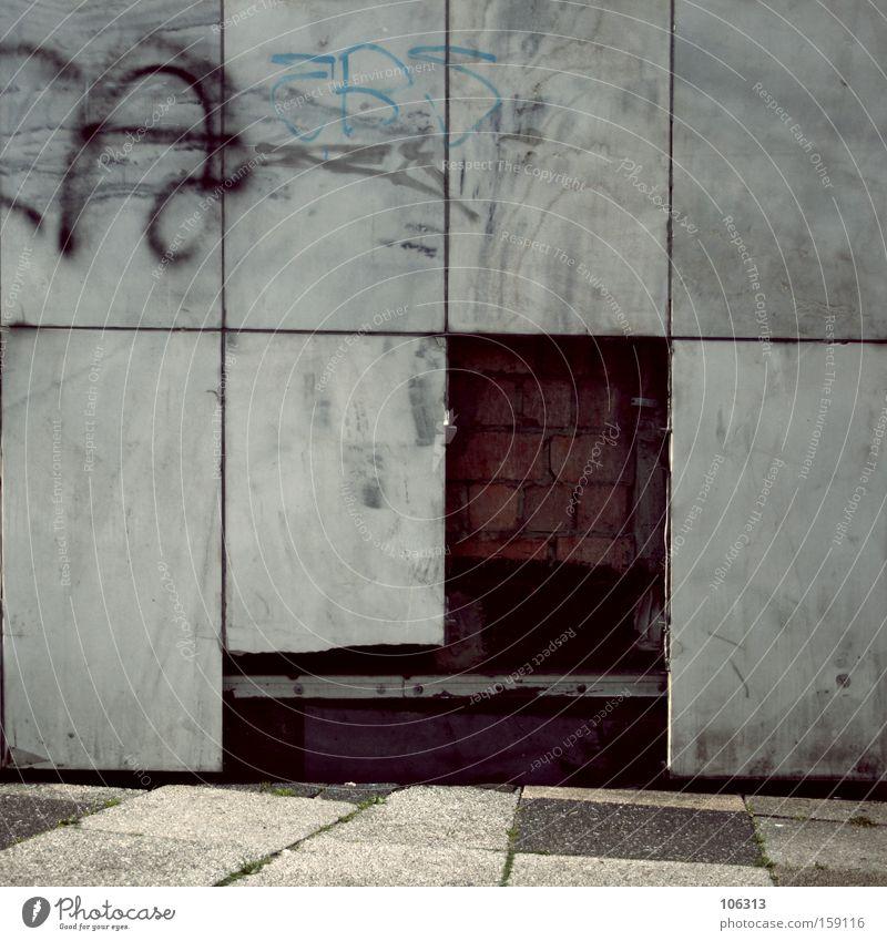 Sinnbild einer Stadt alt Wand dreckig kaputt Industrie verfallen Zerstörung fehlen fehlerhaft