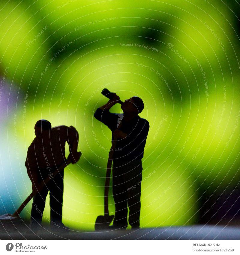 trinkpause Mensch Mann Erwachsene Bewegung Gesundheit klein Arbeit & Erwerbstätigkeit maskulin Baustelle Pause trinken Team Zusammenhalt Beruf Flasche