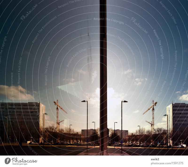 Stadtspiel Himmel Wolken Horizont Klima Schönes Wetter Dresden Stadtzentrum Skyline bevölkert Haus Hochhaus Baustelle Kran doppelt gemoppelt leuchten