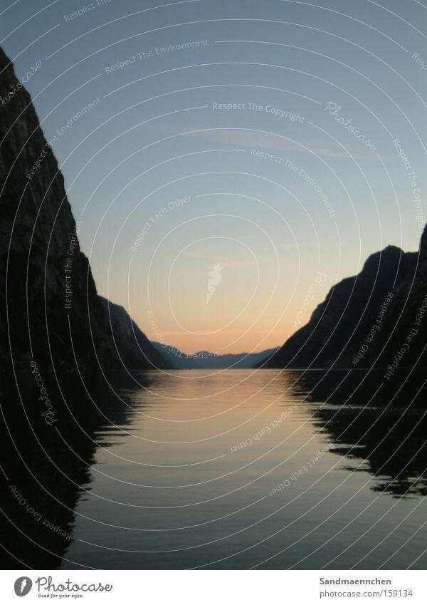 Sonnenuntergang am Fjord Norwegen Meer Wasser Berge u. Gebirge Himmel flach Romantik Freiheit ruhig Außenaufnahme Landschaft