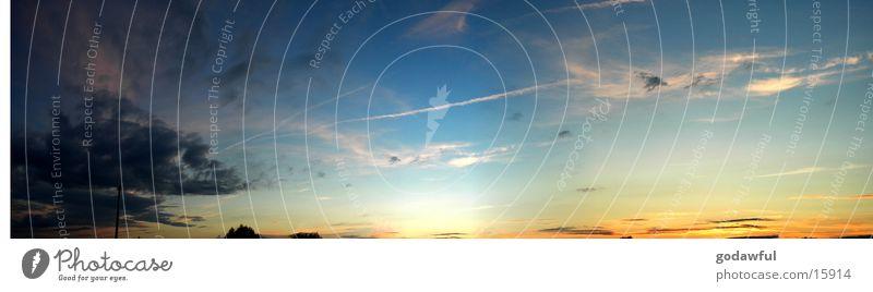abendhimmel Sonne blau rot Wolken groß Abenddämmerung Panorama (Bildformat)