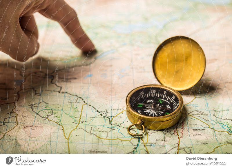 Reiseplanung Ferien & Urlaub & Reisen Hand Ferne Berge u. Gebirge Tourismus wandern Schriftzeichen Ausflug Zeichen Abenteuer planen Ziffern & Zahlen Ziel