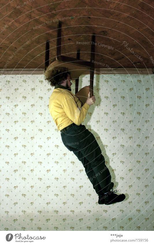 einfach mal abhängen. [weimar 09] Stuhl Mann Decke Tapete gedreht Am Rand Aktion Kopfstand Zirkus Artist Illusion Extremsport Spielen Geschwindigkeit 180° view7