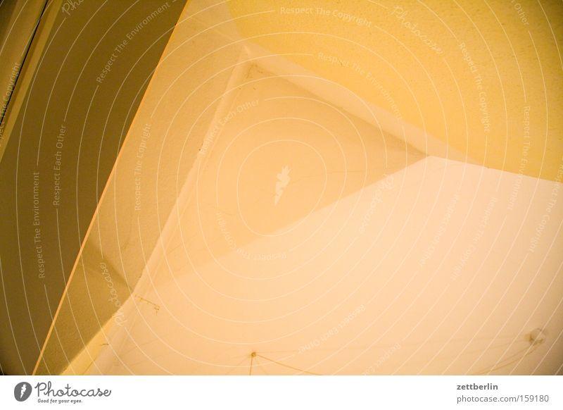 Dreieck Strukturen & Formen Geometrie Detailaufnahme Raum Wohnung Grundriss Küche Licht Schatten Froschperspektive Häusliches Leben obskur