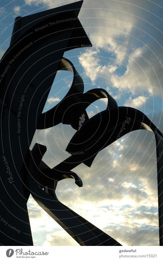 Himmelskoerper Skulptur Stahl Statue Ausstellung Messe Metall Kontrast