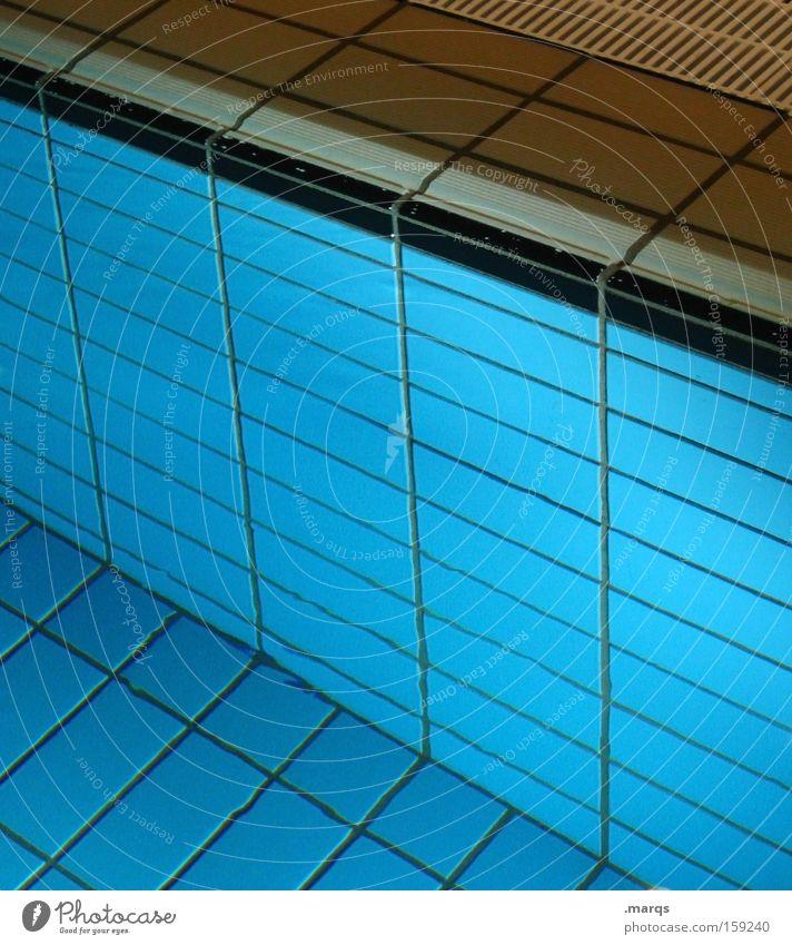 Nichtschwimmer Farbfoto Innenaufnahme Lifestyle Wellness Leben Wohlgefühl Erholung Freizeit & Hobby Spielen Sport Schwimmbad Wasser Linie tauchen nass blau
