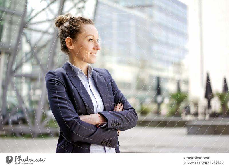 Optimist Mensch schön natürlich feminin Gesundheit Glück Zufriedenheit elegant frisch frei modern Kraft authentisch Erfolg Fröhlichkeit Lebensfreude