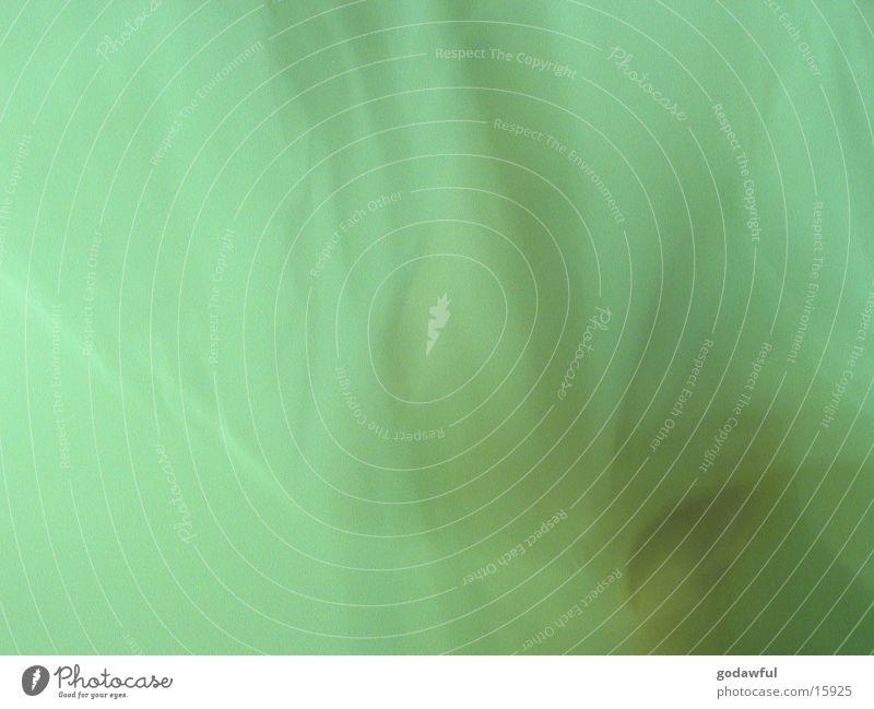 calm green grün Nebel Regenschirm obskur Falte bizarr Schleier