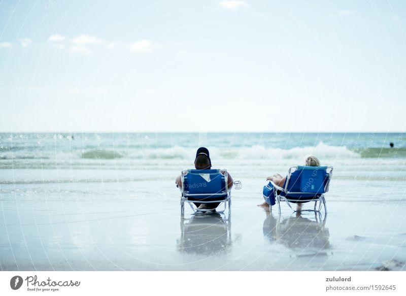 Strandurlaub Mensch Ferien & Urlaub & Reisen blau Sonne Meer Erholung ruhig Ferne Erwachsene Glück Freiheit Paar Stimmung Tourismus Horizont