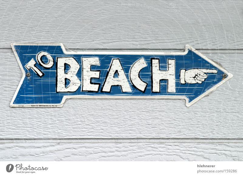 Zum Strand Zeichen Richtung blau Mitteilung Pfeil weiß Information nachgebaut Sommer Wege & Pfade Text Hinweisschild im Freien Urlaub zeigen