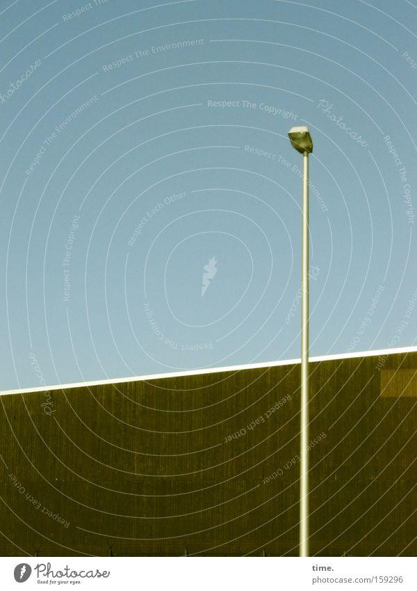 HB09.1 - Ahnungslose Schuppenleuchte Industrie Technik & Technologie Kommunizieren dünn vorwärts Kontakt Laterne diagonal Verkehrswege Partnerschaft Lagerhalle