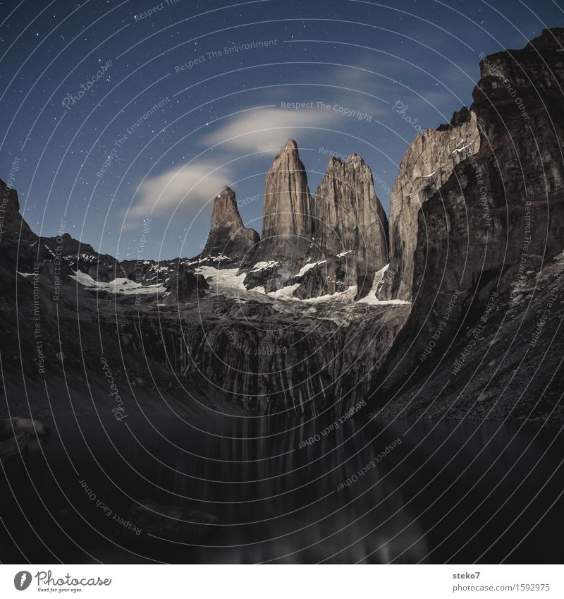 Torres del Paine Wolken Nachthimmel Stern Berge u. Gebirge Gipfel See Torres del  Paine gigantisch hoch oben Einsamkeit einzigartig Natur rein ruhig