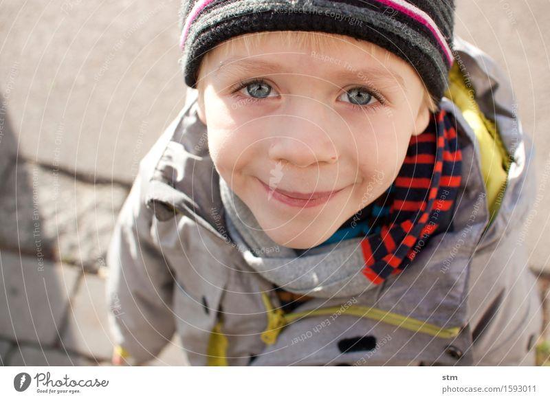 blickkontakt Freizeit & Hobby Mensch maskulin Kind Kleinkind Junge Familie & Verwandtschaft Kindheit Leben Kopf Gesicht Auge 1 3-8 Jahre Jacke Schal Mütze blond