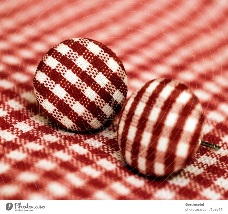 Camouflage schön weiß rot Stil Design retro Dekoration & Verzierung Stoff Schmuck Tiefenschärfe kariert Ohrringe Accessoire Rockabilly Fünfziger Jahre Vierziger Jahre