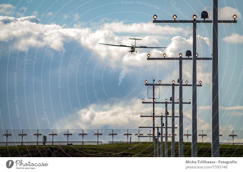 Landung Ferien & Urlaub & Reisen Tourismus Ferne Pilot Güterverkehr & Logistik Technik & Technologie Luftverkehr Umwelt Himmel Wolken Verkehr Verkehrsmittel