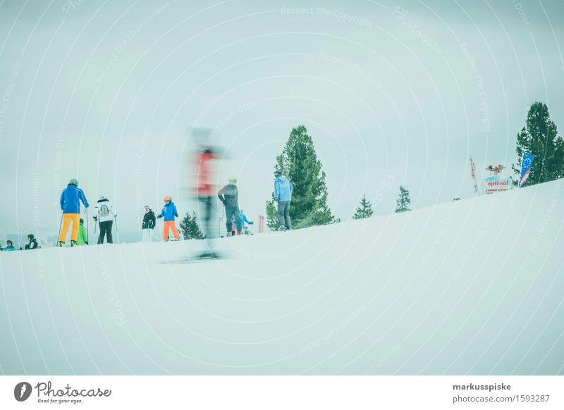 skifahrer im zillertal Mensch Ferien & Urlaub & Reisen Jugendliche Junge Frau Freude Winter 18-30 Jahre Berge u. Gebirge Erwachsene Bewegung feminin Schnee