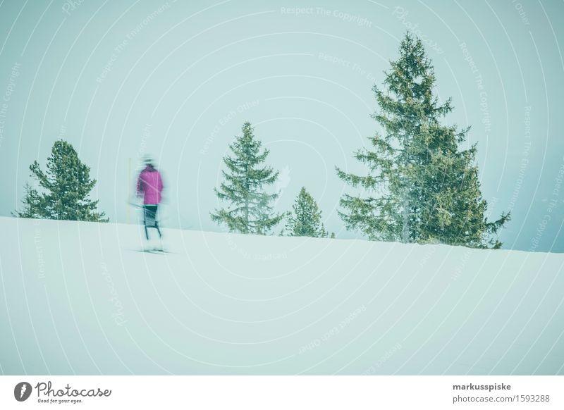 skifahrer im zillertal Mensch Jugendliche Junge Frau Winter 18-30 Jahre Berge u. Gebirge Erwachsene Bewegung feminin Schnee Sport Lifestyle Freizeit & Hobby Körper Geschwindigkeit Fitness