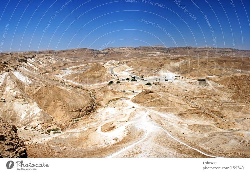 Massada Wüste Sand trocken heiß Hügel Rampe Ferne leer Dürre karg braun Stein Staub Panorama (Aussicht) Erde groß