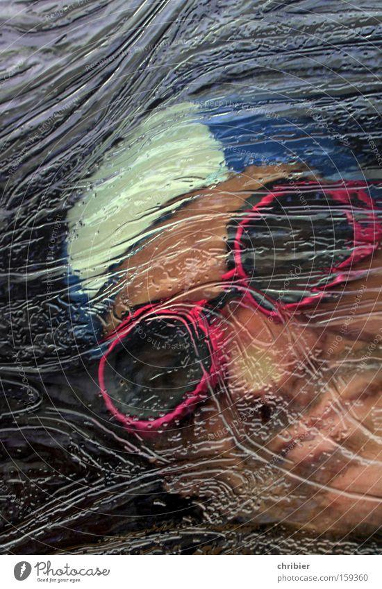Wer zu spät kommt... tauchen Eis gefangen ertrinken Sauerstoff Schwimmbad Sommer Winter Sport Spielen Taucherbrille bedrohlich Atemnot Sauerstoffmangel Angst