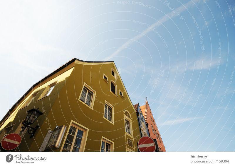 einbahnstrasse Einbahnstraße Gebäude Haus Fassade Altbau Denkmal Denkmalschutz Einfamilienhaus historisch Altstadt Restauration Verkehrswege