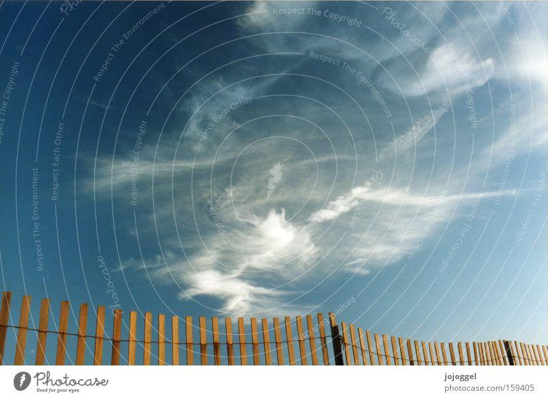 Himmel Wolken Zaun Freiheit blau Natur Wetter Luft Landschaft Grenze