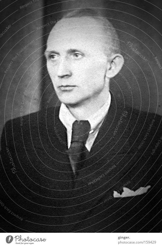 Familienalbum - Großvater Mensch Mann alt ruhig Erwachsene Gesicht Kopf maskulin retro Vergangenheit historisch Anzug Gesichtsausdruck antik Krawatte Stolz