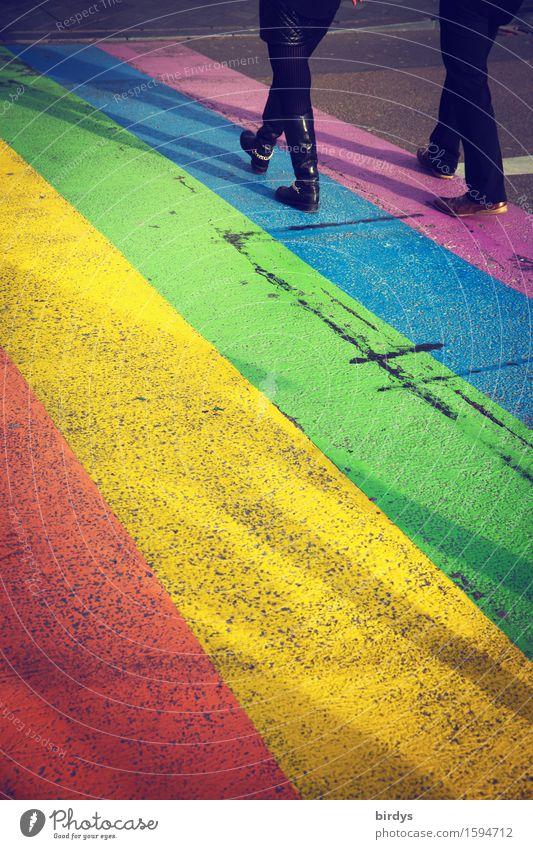 over the rainbow Lifestyle Paar 2 Mensch Jugendkultur Straßenkunst Maastricht Verkehrswege Wege & Pfade Zebrastreifen Leder Lack Zeichen gehen ästhetisch