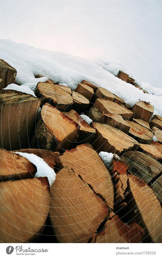 Wärme für den Winter Natur kalt natürlich Schnee Holz Wohnung Eis Frost Landwirtschaft Möbel Handwerk Geborgenheit Forstwirtschaft Heizung