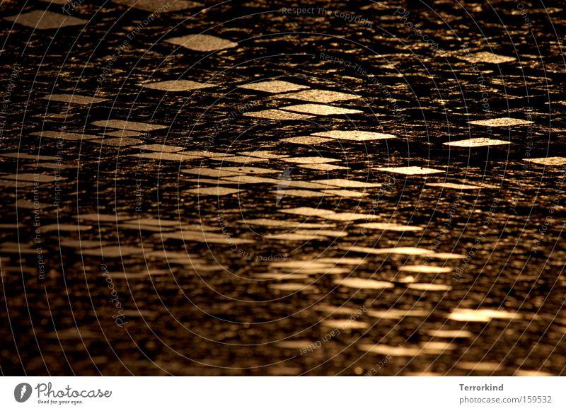 [HL08] Auf.dem.Weg.zu.dir schön Sommer Freude Straße dunkel Wege & Pfade hell Beleuchtung Wetter gehen Verkehrswege Kopfsteinpflaster verlieren strahlend