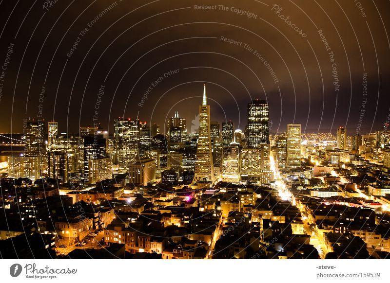 San Francisco @ Night Stadt Skyline gold Kalifornien Amerika USA Transamerica Pyramide Lichtermeer Feuer leuchten Hochhaus brennen Nacht