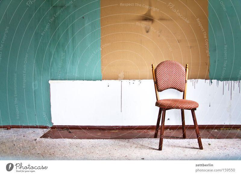 Wohnzimmer Farbe Wand Stuhl Häusliches Leben Umzug (Wohnungswechsel) Renovieren Teppich Schrank Modernisierung