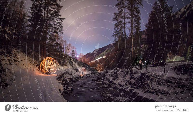 Lichtkugel im Schnee Winterurlaub Umwelt Natur Landschaft Urelemente Himmel Wolken Nachthimmel Stern Horizont Wetter Eis Frost Feld Wald Alpen Berge u. Gebirge