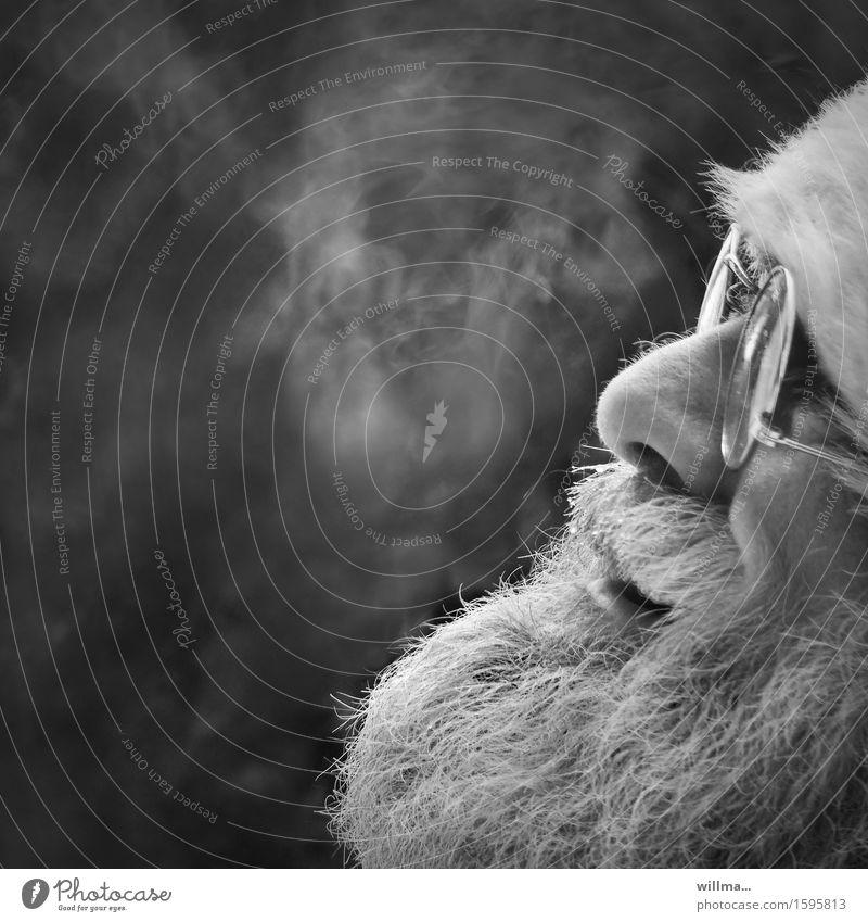 Weihnachtsmann Weihnachten & Advent Männlicher Senior Gesicht Bart Pelzmütze Brille weißhaarig Vollbart Lächeln lachen Freundlichkeit Schwarzweißfoto Porträt