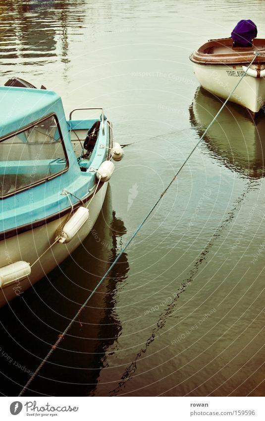 im hafen Wasserfahrzeug ruhig See Meer Anker liegen 2 maritim warten Hafen ankern