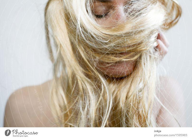 Dein Haar roch nach grünem Apfelshampoo Mensch feminin androgyn Frau Erwachsene Leben Haare & Frisuren Gesicht 1 30-45 Jahre blond langhaarig Duft